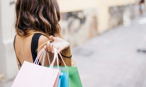 Come vestire Bon Ton. È costoso? Quali negozi visitare?